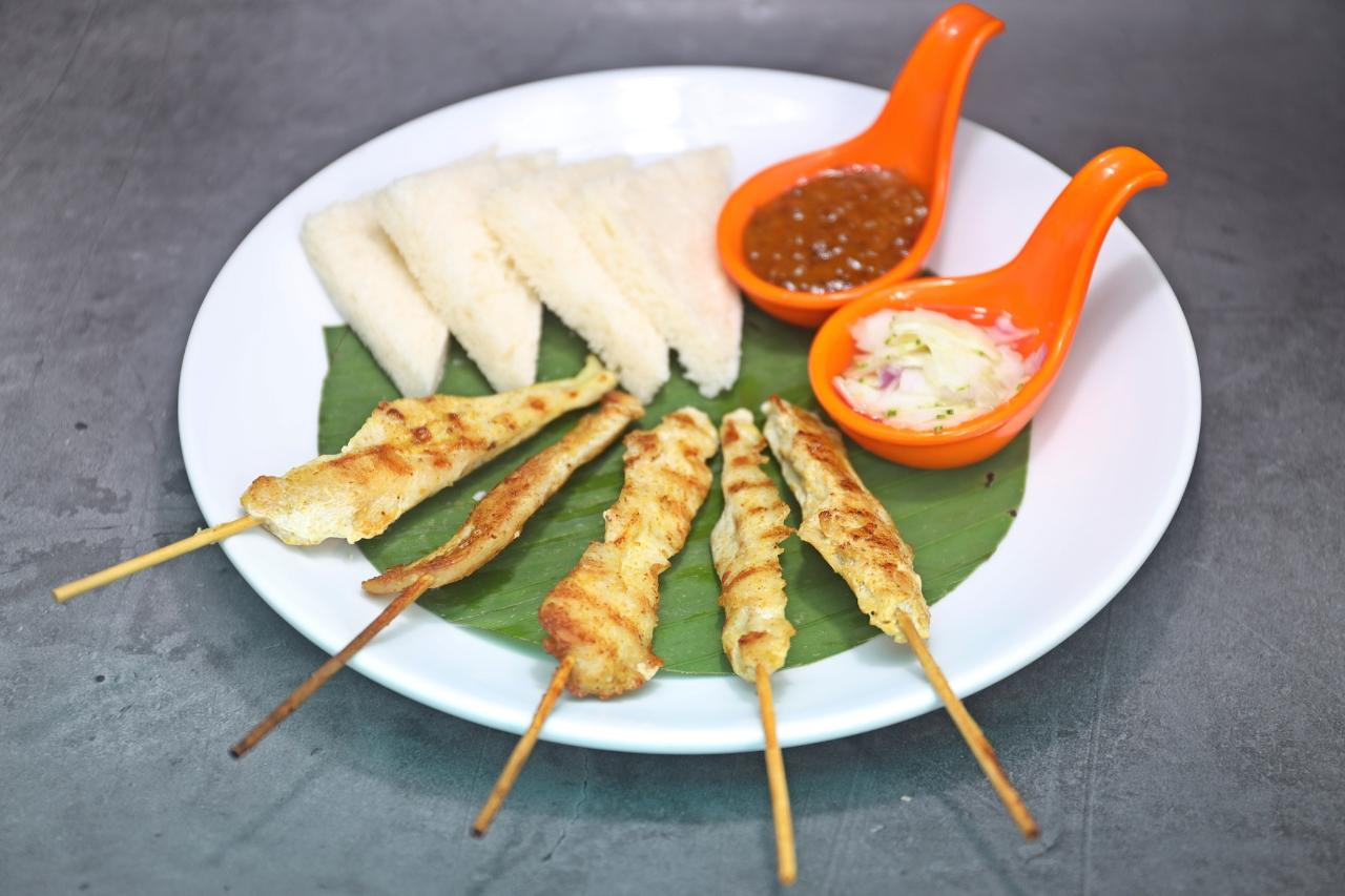 Chicken Satay & Butter Bread