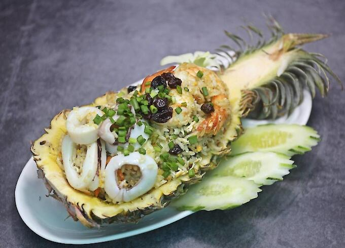 Fried Rice in Pineapple with Seafood