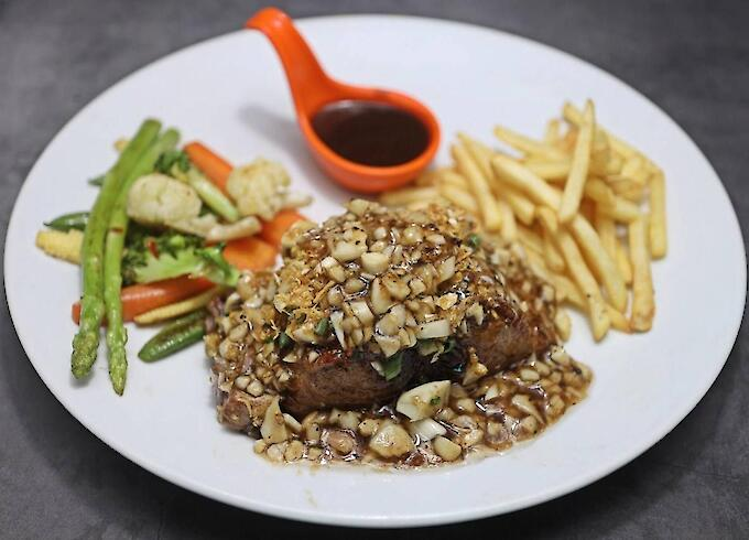 Grilled tuna with garlic butter & French Fries & Grilled vegetables