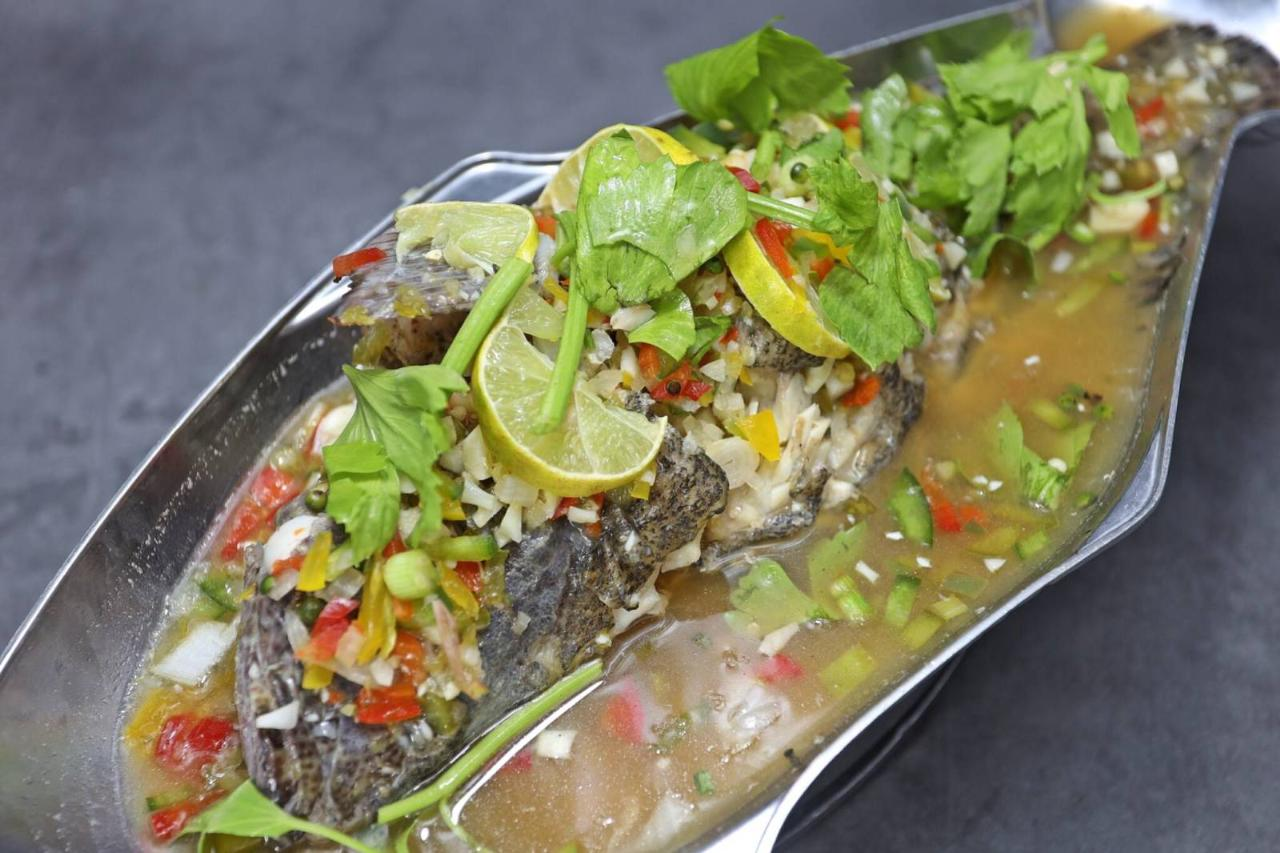 Steamed Grouper with Lemon Sauce